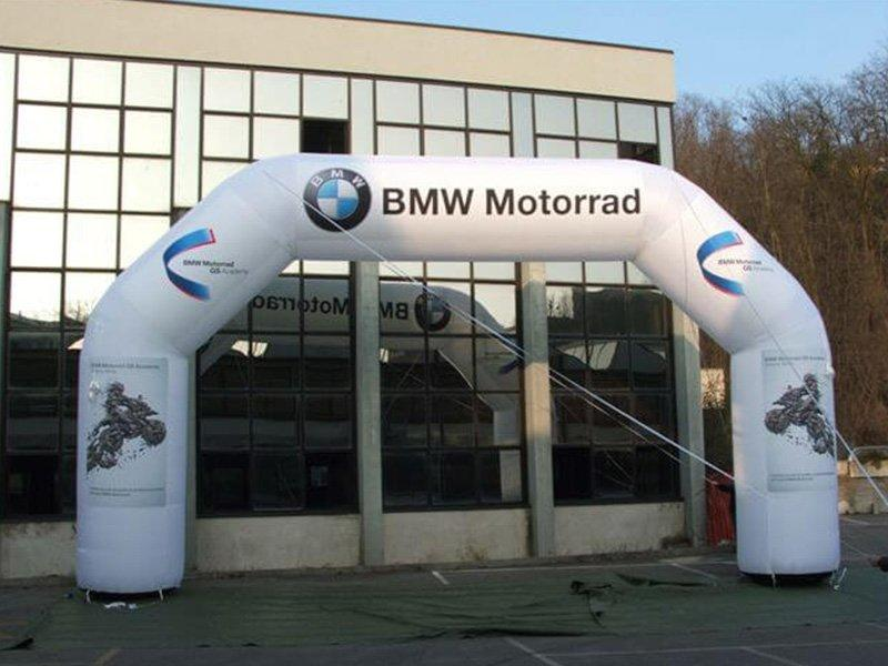BMW inflatable arch 1