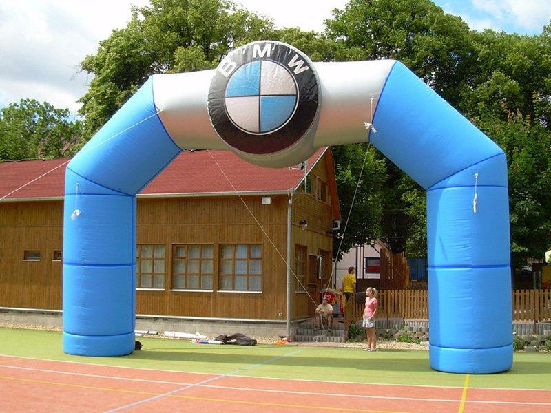 BMW inflatable arch 2